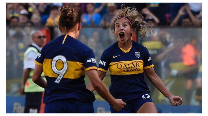 Fanny Rodríguez ingresó en el segundo tiempo y marcó tres goles en el clásico.