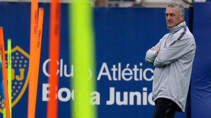 Alfaro citó a 25 futbolistas para el primer superclásico copero