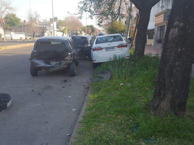 Triple choque con daños importantes en los vehículos
