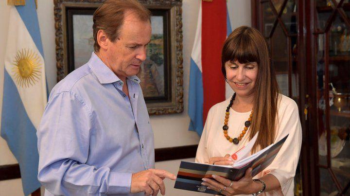 Preocupación. El gobernador Bordet con la ministra Velázquez realizan un constante monitoreo de la situación.