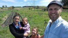 La familia que le da vida a la granja agroecológica 5 Guríses.