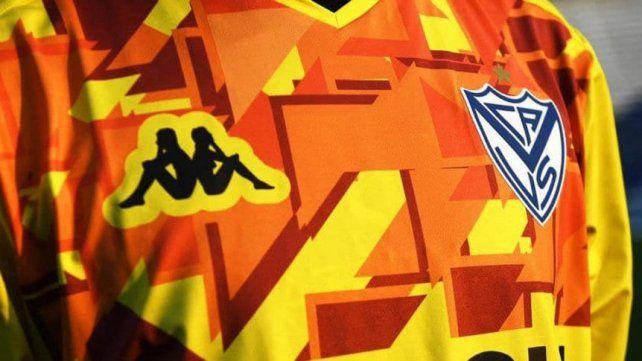 Vélez creó una camiseta de arquero en conmemoración a José Luis Chilavert
