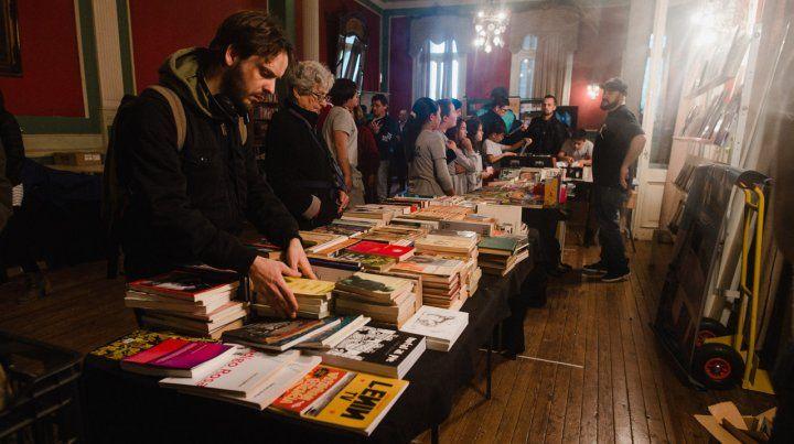 Arrancó la Feria del Libro en el Club Social de Paraná