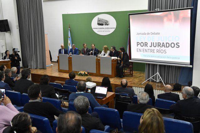 Avanza el juicio por jurados