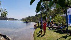 La playa frente al río Juquerí.