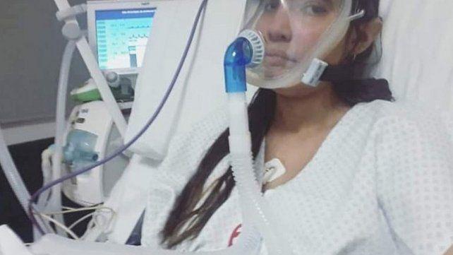 Joven de Santa Elena entró en emergencia nacional y piden rezar por ella