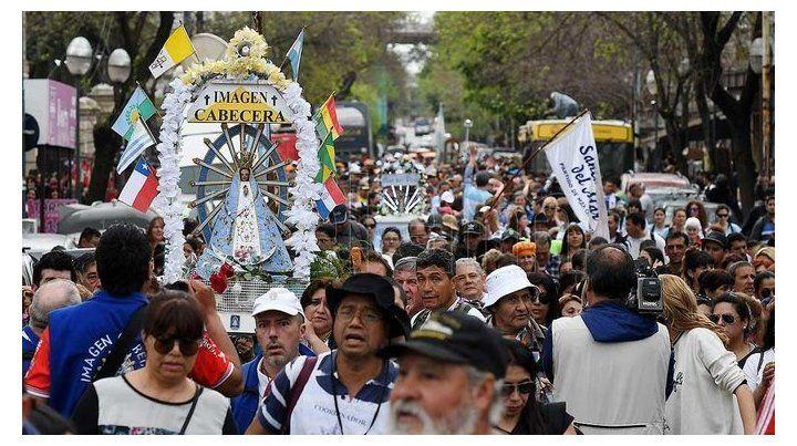 Miles de personas realizan la peregrinación a Luján