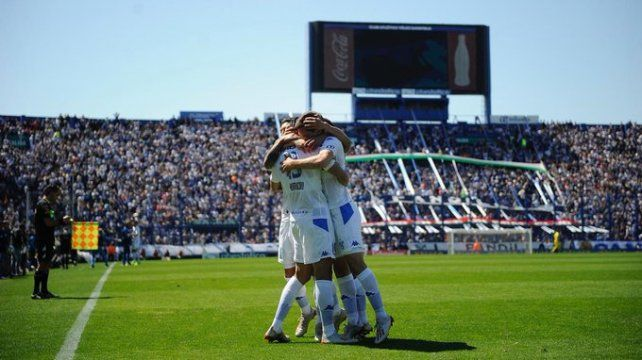 Vélez se anima al campeonato de la mano de Heinze