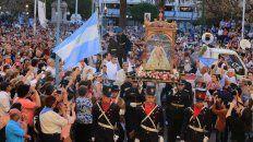 una multitud acompano a nuestra senora del rosario