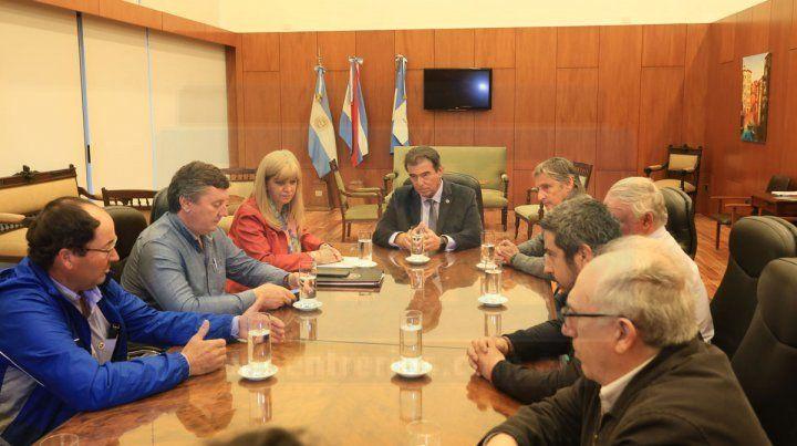 Fumigaciones: Castrillón recibió a representantes de productores y sugirió realizar una audiencia pública