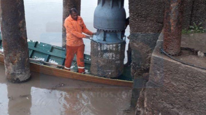 Abrieron un canal para que ingrese el agua del río a la toma