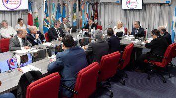 provincias pediran a la csj que intime a la nacion a pagar la deuda