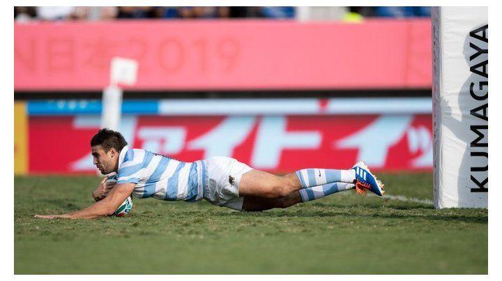 La foto con la que todo jugador sueña: debut mundialista y try para Juanchi Mallia.