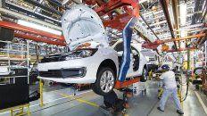 industria automotriz presenta plan para hacerle frente  al crisis del sector