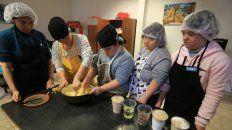 cupcakes de banana y algarroba, una especialidad de las chicas de aspasid