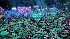 Multitudinaria marcha en el ENM en La Plata