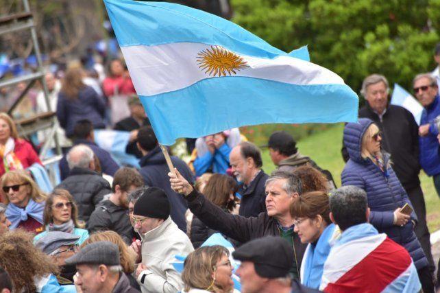 Desde Paraná Macri convocó al acto del 19/10 en el obelisco