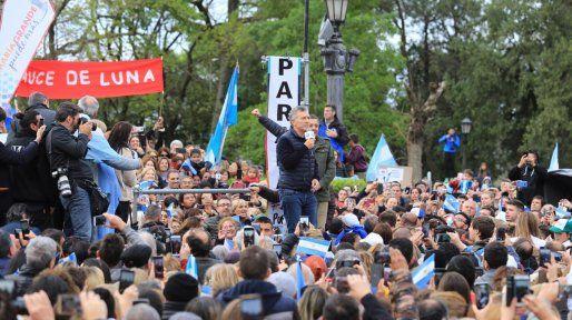 Macri brinda un discurso anunciando que vamos a poder.