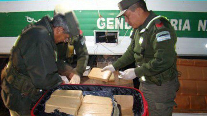 Dos condenados por enviar marihuana en valijas por encomienda