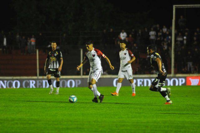 El partido se juega en Patronato.