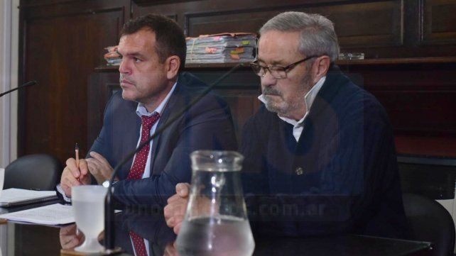 Céparo junto a su abogado defensor, José Ostolaza.