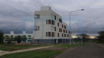 Casi listas. La docena de torres comprenden monoambientes y departamentos de uno, dos y tres dormitorios.