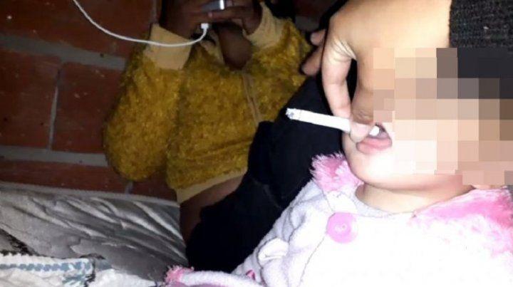 Intervino el Copnaf: Joven hacía fumar a una beba para que se tranquilice