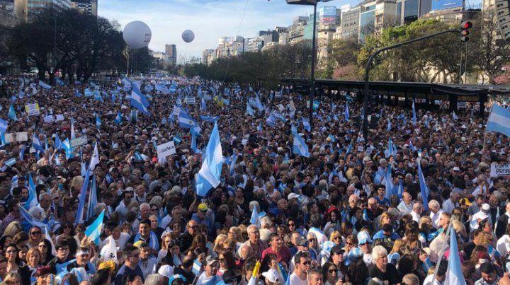 Macri en el Obelisco: Ustedes son la fuerza de este país