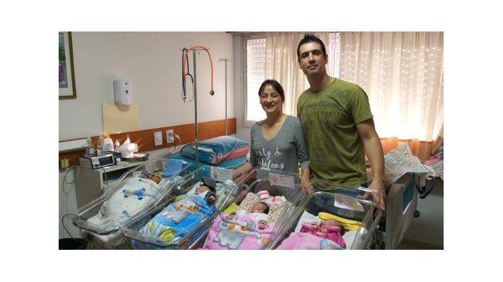 Rocío festeja hoy con alegría su primer Día de la Madre junto a sus cuatrillizos