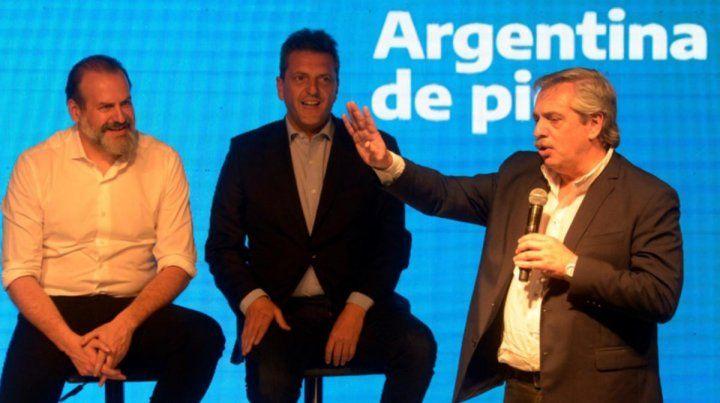 Bahía Blanca. Fernández compartió un acto con Massa y el candidato a intendente de la ciudad