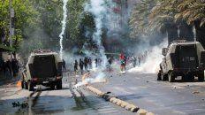 ya son 15 los muertos en chile y siguen las protestas contra el gobierno