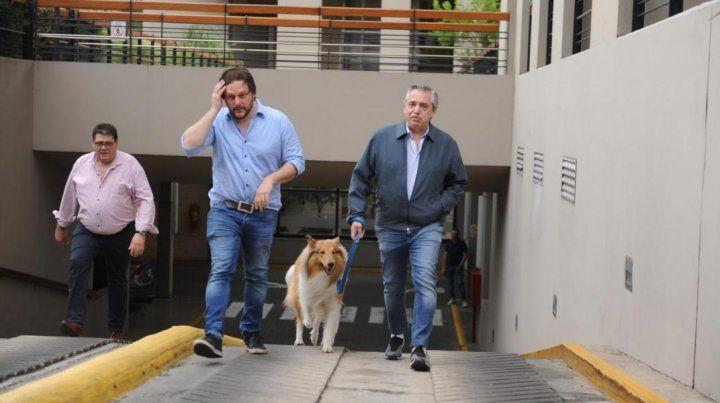 Fernández sacó a pasear a Dylan y se emocionó al recordar a Kirchner