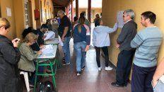 buena afluencia de votantes en concepcion del uruguay