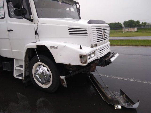 El camión quedó involucrado en la tragedia.