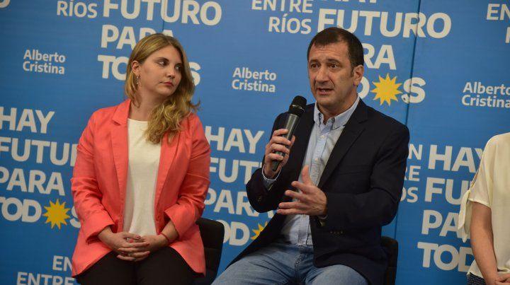 Senado. El candidato a senador nacional Edgardo Kueider dijo anoche que Cora había ganado la banca.