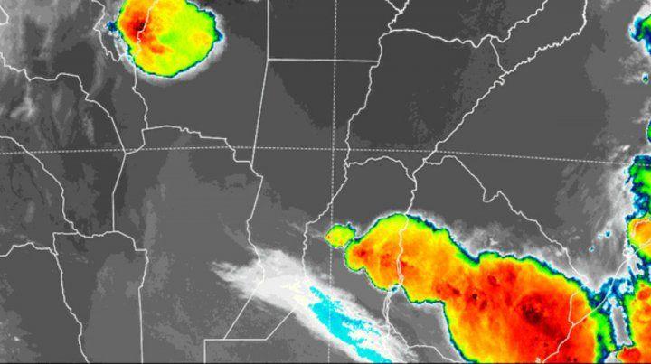 Alerta por tormentas intensas para Entre Ríos y aviso a corto plazo para cinco departamentos