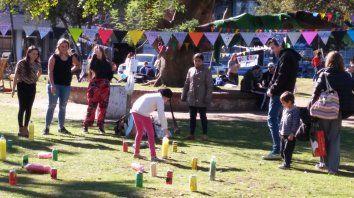 artes en juego en plaza espana: me cuido, te cuido, nos cuidamos