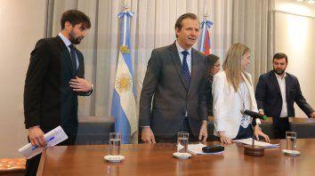 Denuncia. Santiago Halle, Andrea Zoff, Eduardo Macri y Eliana Ramos acompañaron ayer a Bahl.