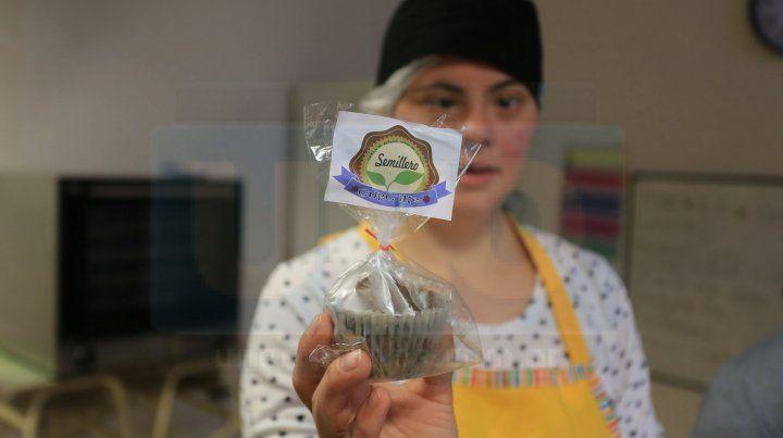 En Aspasid hornean imperdibles cupcakes de banana y algarroba