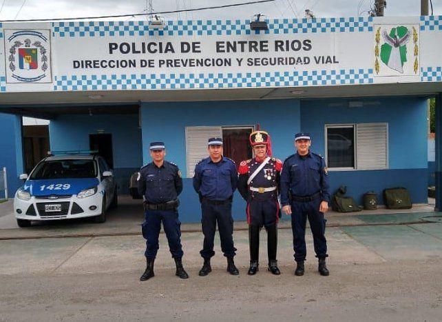 El inicio. La travesía avanzó en el sur de Entre Ríos y pasó por el puesto de la Policía.