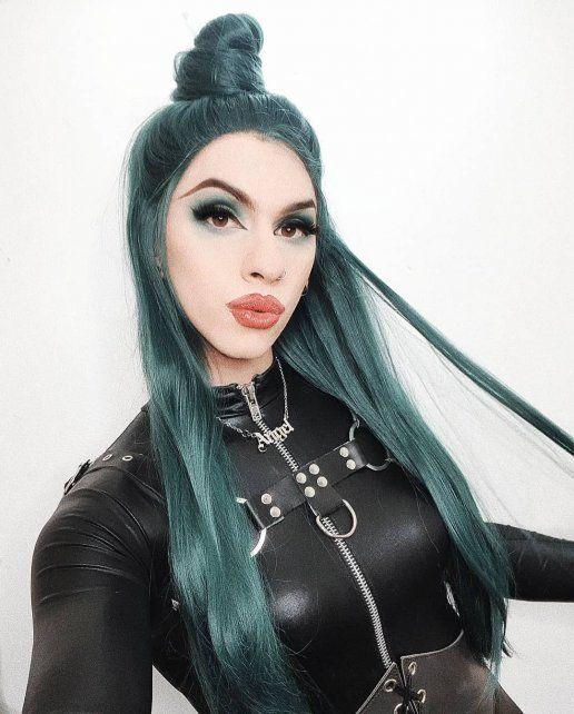 Las fotos más impactantes de Dyhzy, el drag queen que personifica Estanislao Fernández