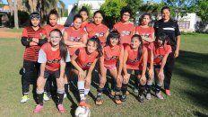 La banda. Las jugadoras de la Filial que son dirigidas por Lorena Benítez, jugadora del primer equipo.