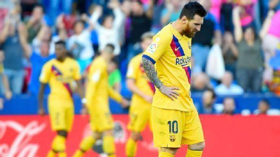 Messi marcó de penal pero no le alcanzó.