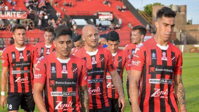 Mal momento. El equipo de Paraná va por una victoria en casa.