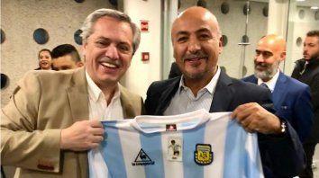 alberto f comenzara a perfilar el lunes en mexico su posicion en politica internacional