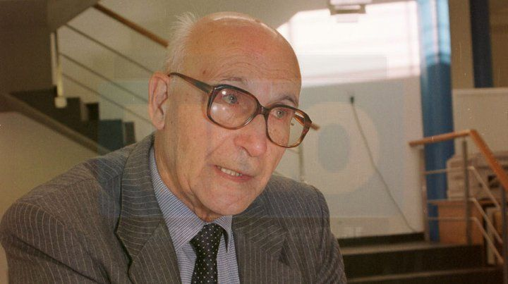 Carlino se desempeñó como diputado provincial desde 1999 a 2003