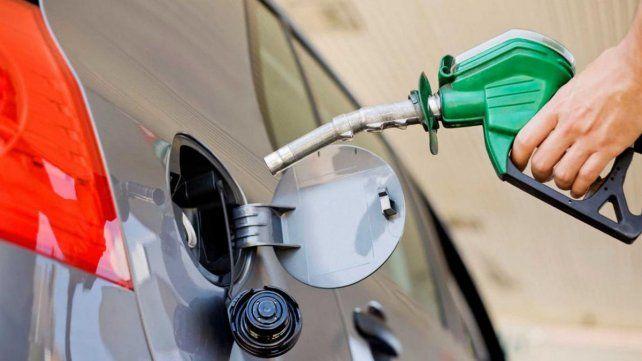 Petroleras aumentarían nuevamente los combustibles