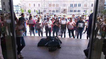 Vecinalistas de Paraná realizaron una manifestación el lunes frente a Tribunales