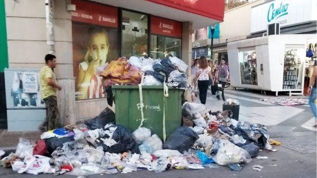 Se necesitarán tres días para limpiar la ciudad de Paraná