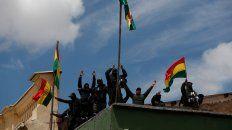 tension en bolivia: se amotinaron los policias que custodian el palacio